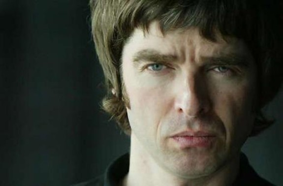 Former OASIS star Noel Gallagher wines and dines owner of noelgallagher.com (who demanded small fortune for domain)