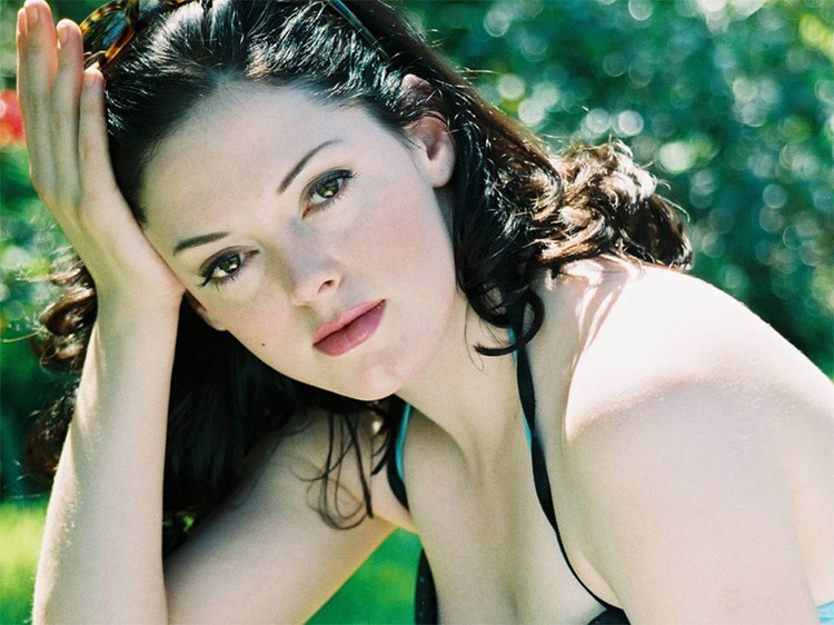 Actress Rose McGowan wants her name, files dispute for rosemcgowan.com